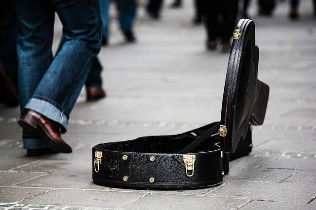 Guitar Case Street Musicians - Free photo on Pixabay (481248)