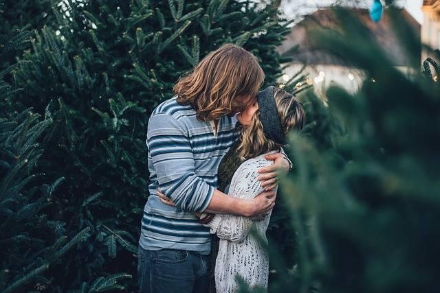 Couple Kissing Romance - Free photo on Pixabay (483151)