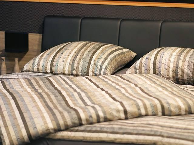 Hotel Pension Bedroom - Free photo on Pixabay (484841)