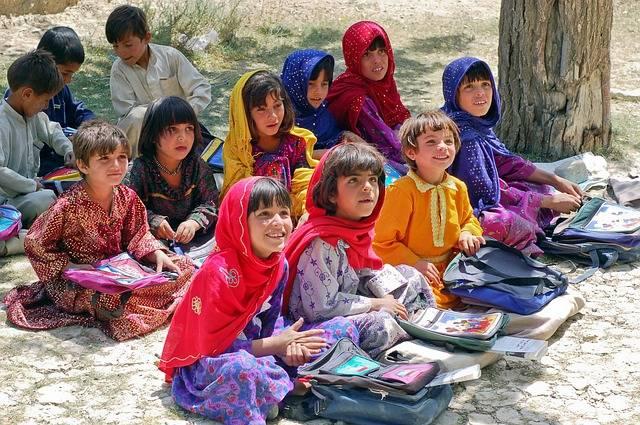 Girl Schoolgirl Learn Schulem - Free photo on Pixabay (485570)