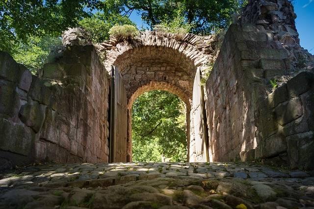 Castle Gate Goal - Free photo on Pixabay (500464)