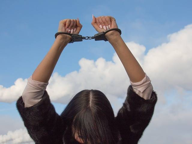 Shackles Conclusion Arrested Woman - Free photo on Pixabay (507652)