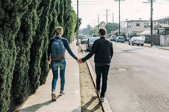 Couple Holding Hands Walking - Free photo on Pixabay (509564)