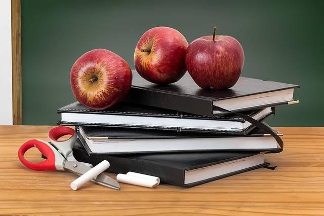 School Books Apples - Free photo on Pixabay (512001)