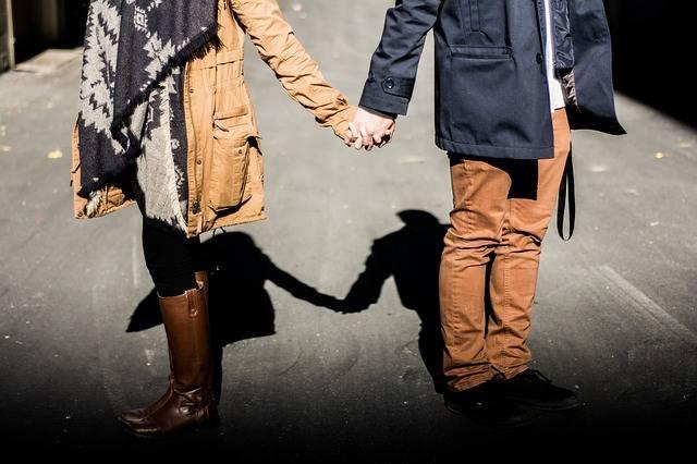 Holding Hands Couple Man - Free photo on Pixabay (516518)