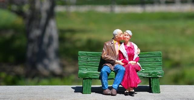 Old Couple Sitting Grandparents - Free photo on Pixabay (516570)