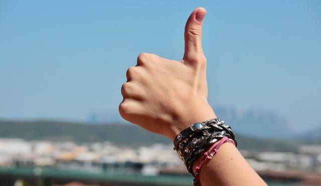 Hands Fingers Positive - Free photo on Pixabay (517059)