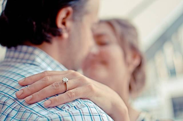 Couple Engagement Ring - Free photo on Pixabay (517062)