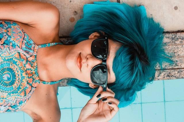 Blue Sunglasses Woman Swimming - Free photo on Pixabay (519730)