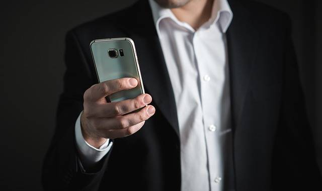 Businessman Smartphone Phone - Free photo on Pixabay (532243)