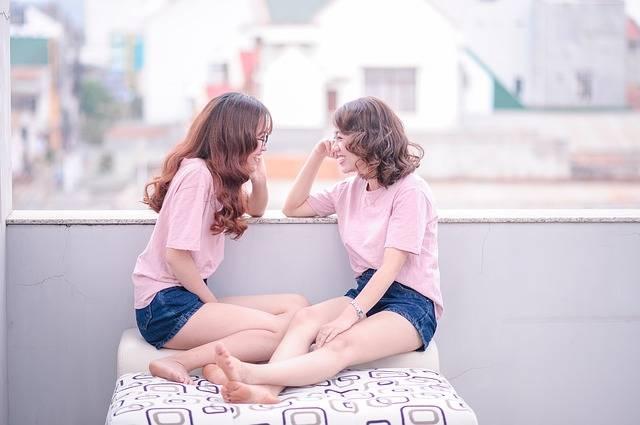 Girls Gossip Female - Free photo on Pixabay (533620)