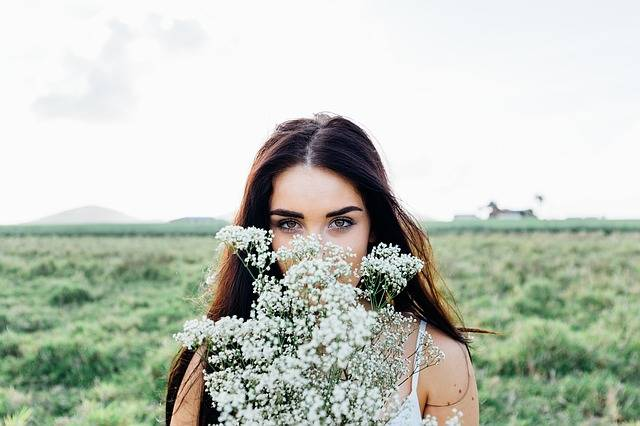 Young Woman Flowers Bouquet - Free photo on Pixabay (536671)