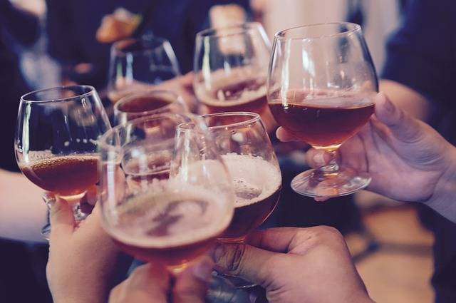 Glasses Toasting Cheers - Free photo on Pixabay (540242)