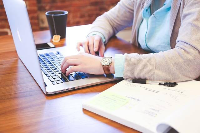Student Typing Keyboard - Free photo on Pixabay (540250)