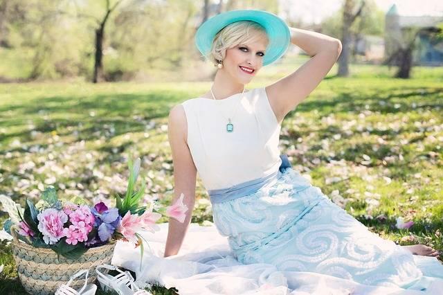 Beautiful Woman Picnic Spring - Free photo on Pixabay (541236)