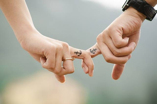 Hands Love Couple - Free photo on Pixabay (542516)