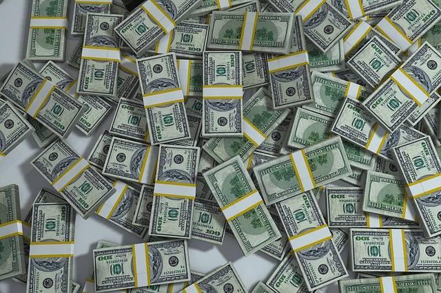 Packs Pile Money - Free image on Pixabay (545379)