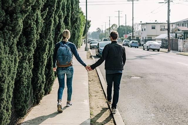 Couple Holding Hands Walking - Free photo on Pixabay (545867)