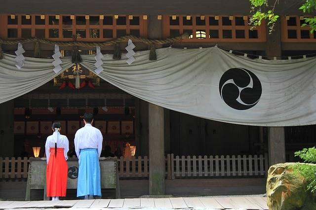 Shrine Worship Visit - Free photo on Pixabay (547879)