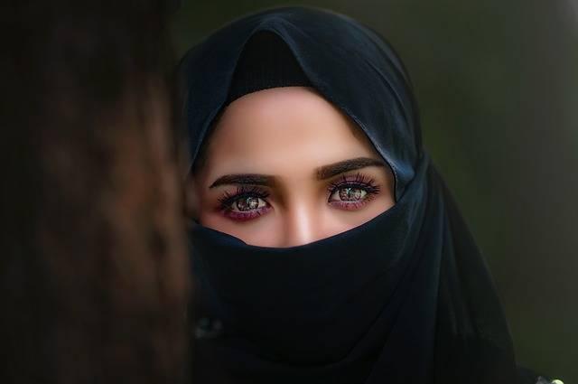 Hijab Headscarf Portrait - Free photo on Pixabay (555216)