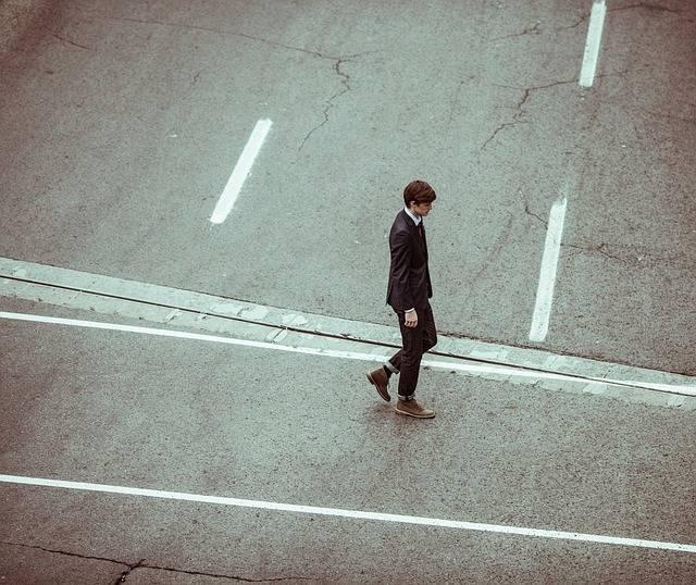 Businessman Lonely Alone - Free photo on Pixabay (558501)