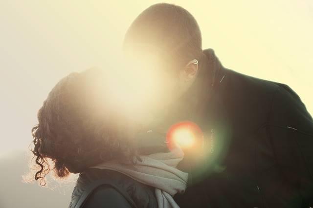 Couple Kiss Love - Free photo on Pixabay (560068)