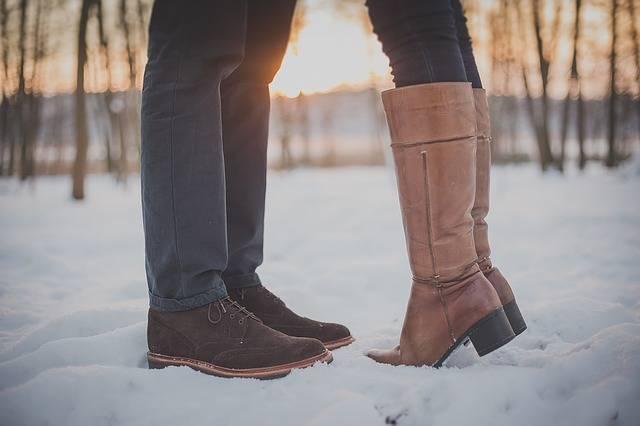 Kissing Couple Man Feet - Free photo on Pixabay (560078)