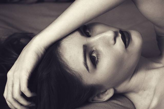Woman Sexy Portrait Hand On - Free photo on Pixabay (571342)