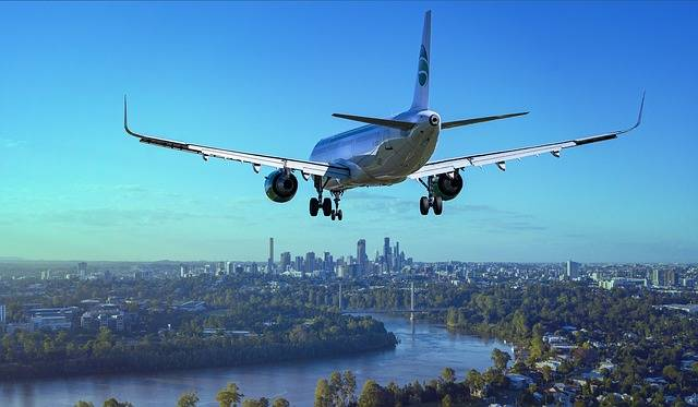 Aircraft Landing Airport - Free photo on Pixabay (581180)