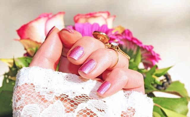 Roses Pink Nail Varnish - Free photo on Pixabay (582500)