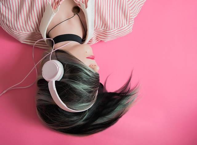 Girl Music Fashion - Free photo on Pixabay (582844)
