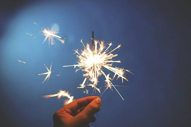 Sparkler Fireworks Hand Fourth Of - Free photo on Pixabay (584688)