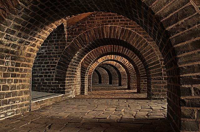 Vaulted Cellar Tunnel Arches - Free photo on Pixabay (584691)