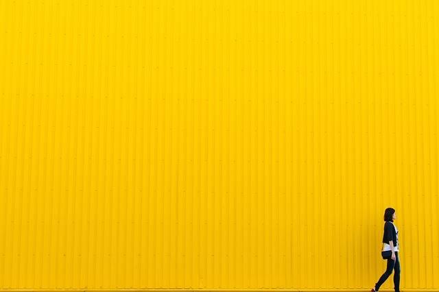 Yellow Wall Girl - Free photo on Pixabay (590212)