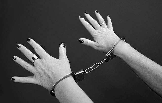 Handcuffs Prisoners Woman - Free photo on Pixabay (590455)