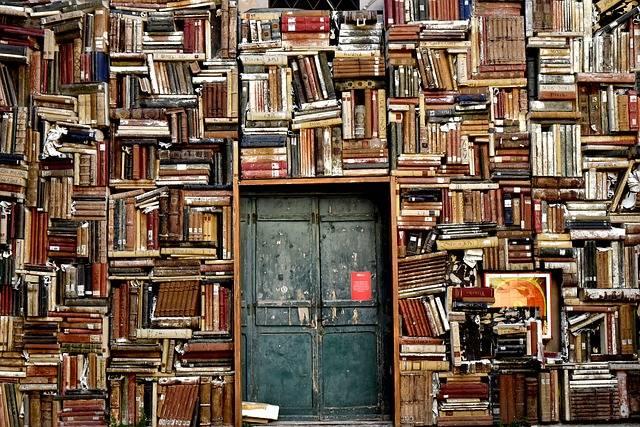 Books Door Entrance - Free photo on Pixabay (595073)