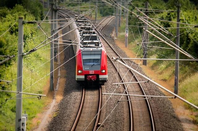 Train Railway S Bahn - Free photo on Pixabay (597774)
