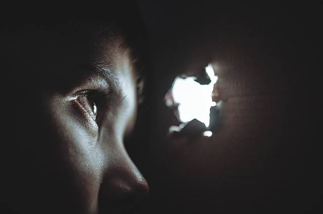 Hiding Boy Girl - Free photo on Pixabay (599085)