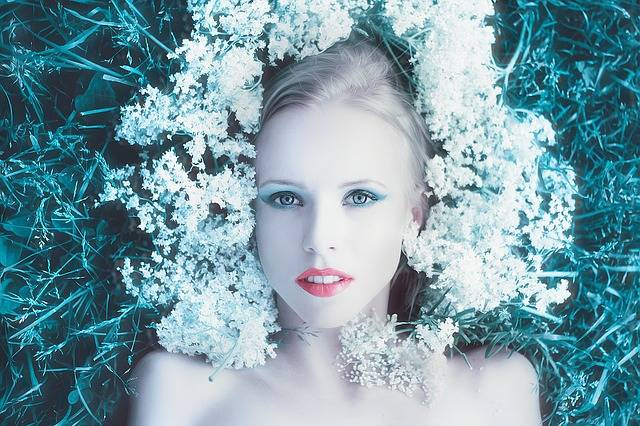 Girl With Flowers Photoshoot Hair - Free photo on Pixabay (600367)