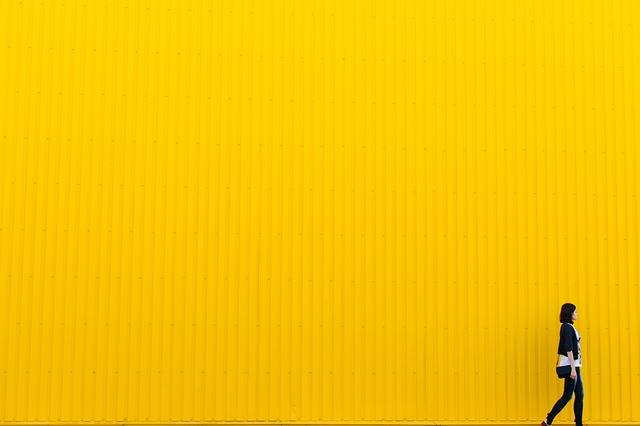 Yellow Wall Girl - Free photo on Pixabay (613464)