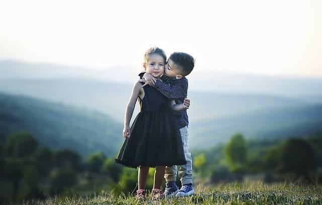 Children Hug Siblings - Free photo on Pixabay (617828)