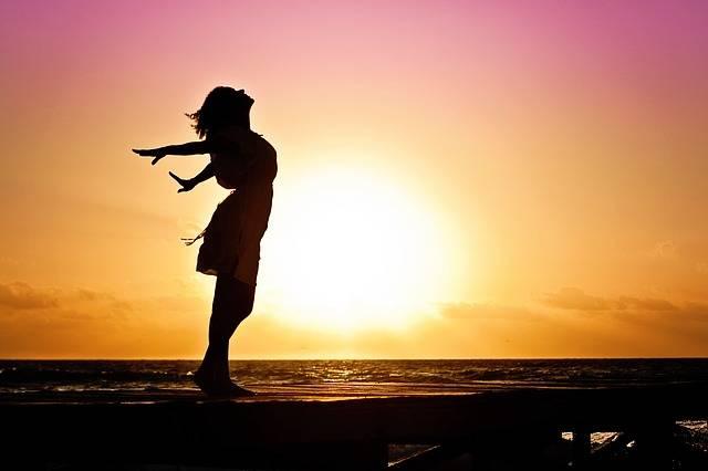 Woman Happiness Sunrise - Free photo on Pixabay (620193)