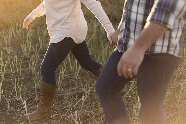 Adult Couple Walking - Free photo on Pixabay (622708)