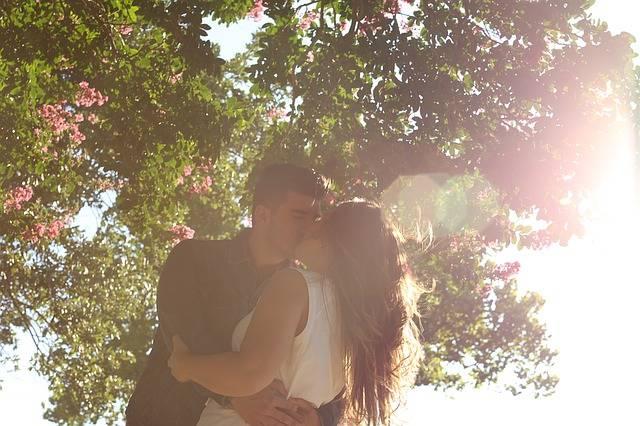 Kissing Romance Man - Free photo on Pixabay (622748)