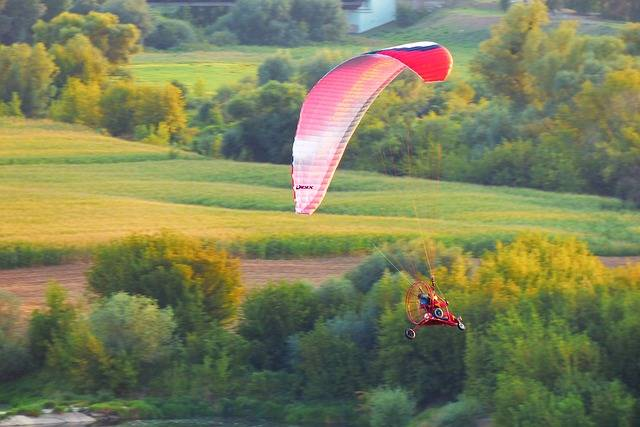 Paraglider Landscape Fly - Free photo on Pixabay (624746)