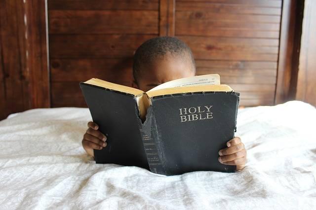 Child Reading Bible - Free photo on Pixabay (624975)