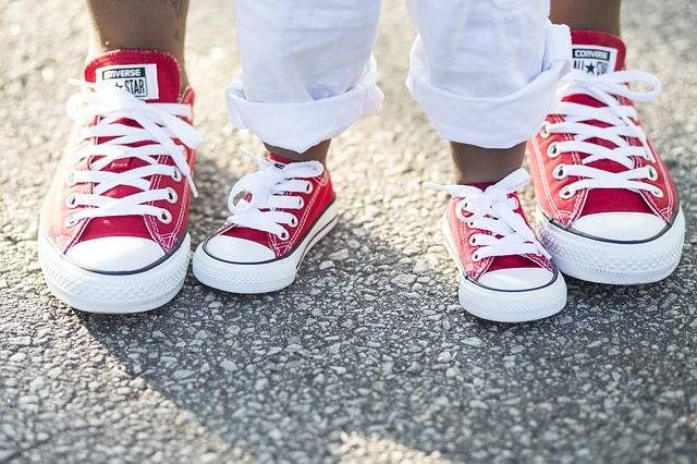 Bond Mother Sneakers - Free photo on Pixabay (627003)
