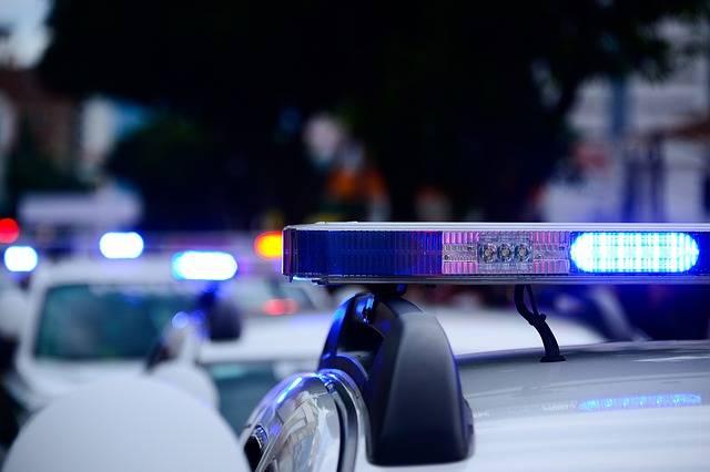 Car Police Cars Caravan - Free photo on Pixabay (632697)