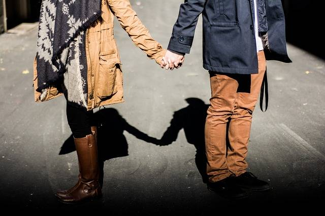 Holding Hands Couple Man - Free photo on Pixabay (636498)