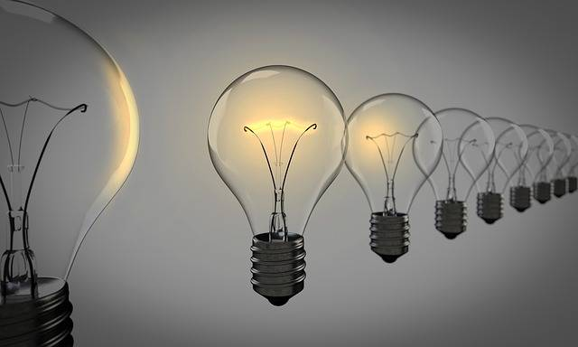 Light Bulbs Chosen Bulb - Free photo on Pixabay (658130)